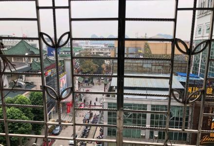 xq急售秀峰区中华学区126平米90万三房两厅一卫合适可议价