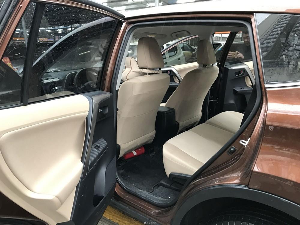 14年丰田RAV4荣放改款2.0的自动