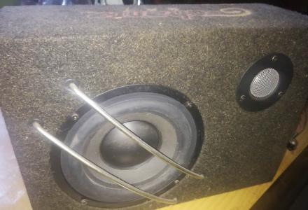 汽车低音炮,也可用于家用