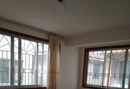 叠彩富桂苑小区别墅,9房3厅4卫,340平,180万便宜卖了