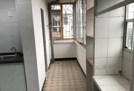 JS急售中华学区步行街依仁路步梯6楼2房1厅75平米99万