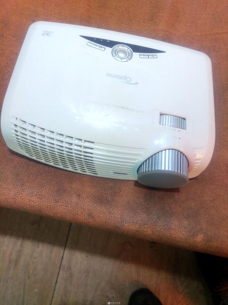 奥图码HD25投影机