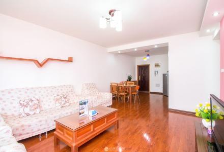 三里店香格里拉花园(非中介)6楼电梯两房两厅90平方,高档装修,月租2500