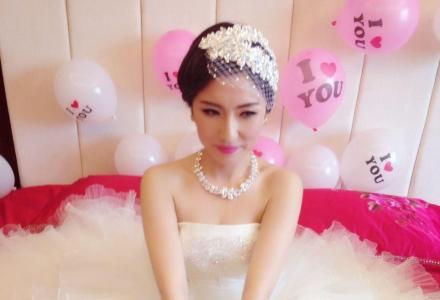 高端私人定制新娘跟妆+婚礼跟拍+免费试妆