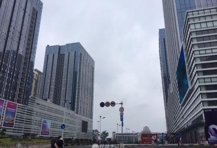 房东出租桂林恒大广场2房1厅高层精装