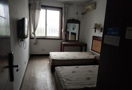 XW急售榕湖小学学区房,桂湖花园黄金3楼3房2厅2卫125平135万
