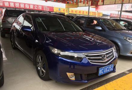 本田思铂睿2.4L自动豪华型,2010年3月上牌,刚检完车,买了一年的保险