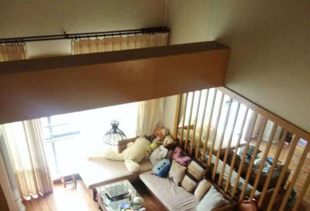 SPY【中华学区-叠彩山华庭】精装复式4房 使用200㎡(拎包入住) 售250万