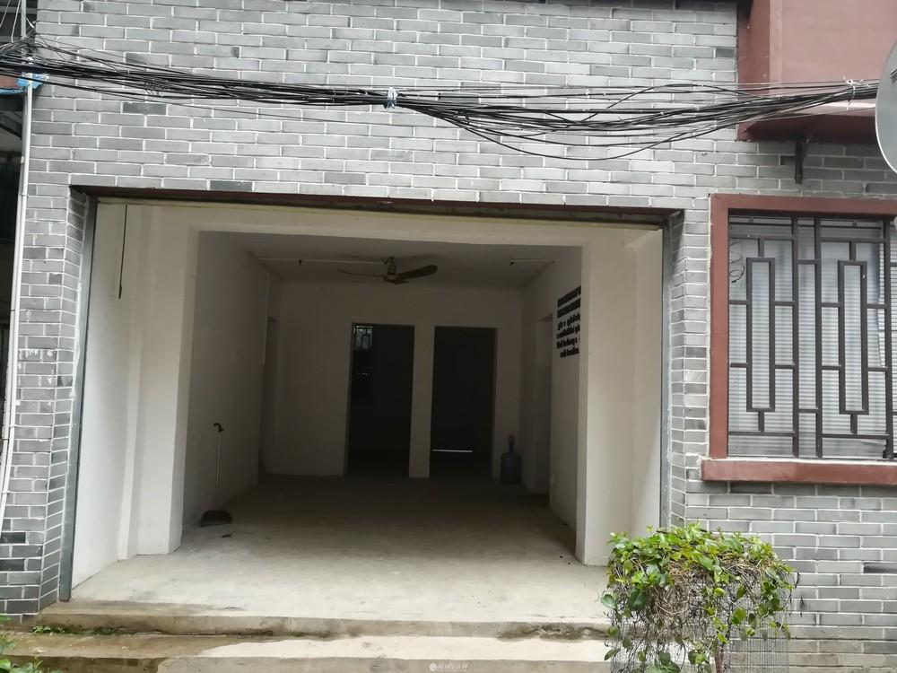 东西巷门面房,70平,二房一厅,3500元/月*