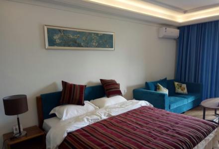 C七星区、万达广场酒店式公寓、电梯房精装家电家具全拎包入住1800元月租