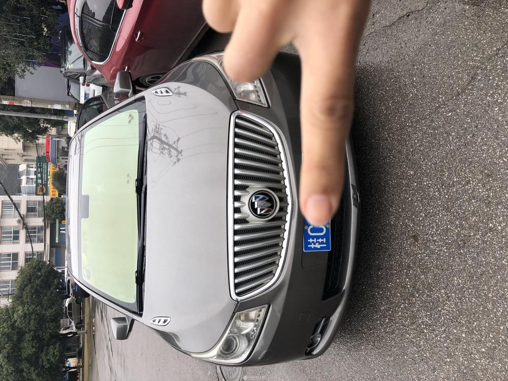别克君越2010年.2.4豪雅版桂林本地一手车,车况保养完美。年检保险刚买好
