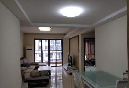 万福广场旁御林湾精装2室3台空调电梯房拎包入住2000/月