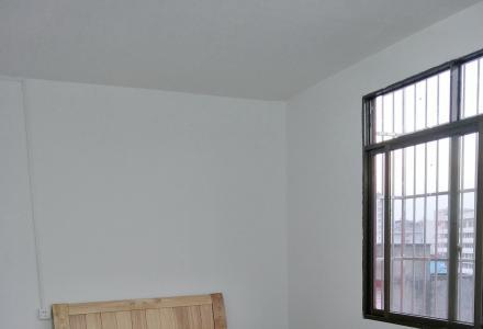金鸡岭路口新房:单间,一房一厅