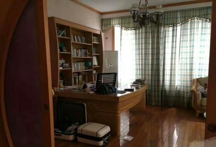 急售漓江花园别墅5房2厅3卫218平米220万