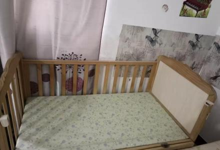 闲置婴儿床,儿童床一套(含蚊帐,摇篮)