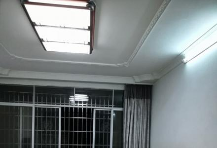 拎包入住,环境清静,清香阁1栋503室精装房出售