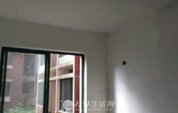T中介勿扰 临桂 远辰国际 2室1厅1卫85平33万低价出售