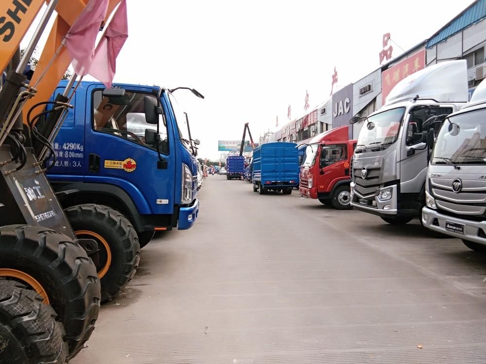 八里街农贸市场当街双层旺铺134平120万,开间6米,现租4000一个月