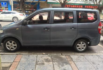 个人一手私车转让,要求必须过户。 2011年10月上牌的五菱宏光,1。2手动