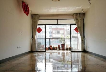 龙隐小学电梯高层三房朝南精装修三房 欢迎中介帮租看房方便