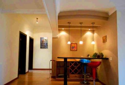 临桂 拎包入住  南城百货旁 精装修3房2厅2卫132平米3台空调 家电家具全 出租