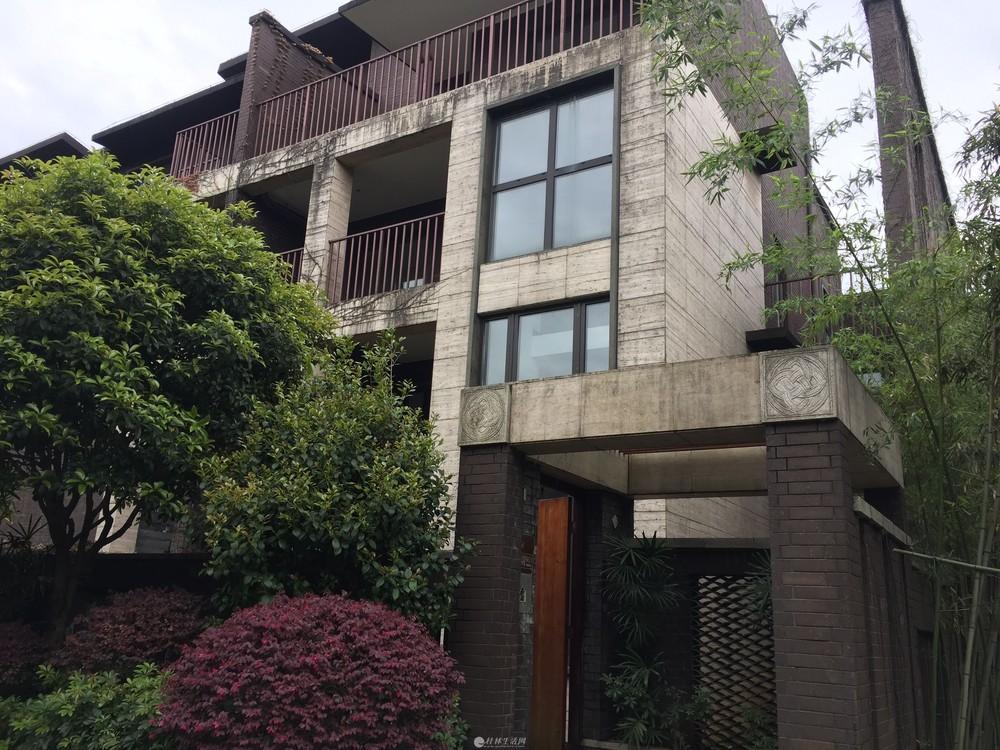 L原乡墅边户 面对中央水景花园 挑空客厅 三个露台 主卧带超大阳台