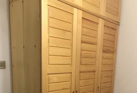 8层新松木衣柜,床,全松木原木