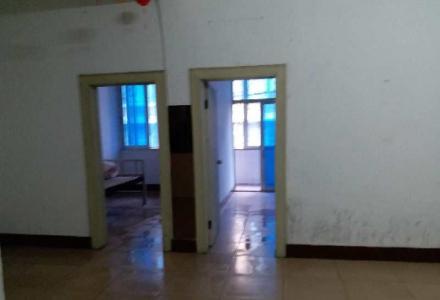 桂康菜市旁5房2厅招租