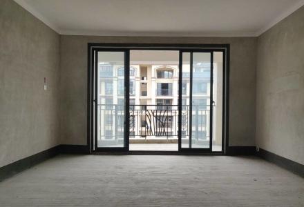 七星区万达商圈 兴进上郡 电梯中心楼栋毛坯四房两厅 急售