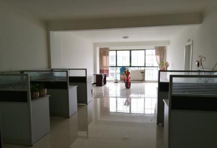 安庆商业大厦高层三室一厅两卫宜办公