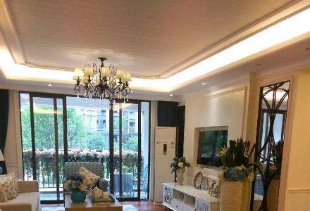 叠彩区,江与城,4室2厅2卫2阳台,带57平方杂物间,现价165万