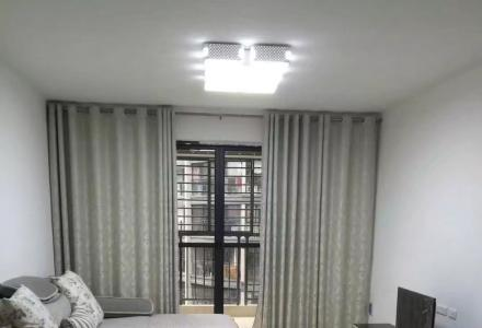 房东直租水晶城3房2厅2卫2600/月