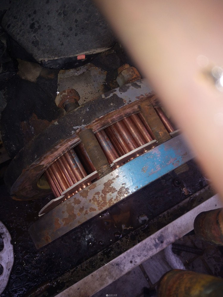 回收空调,废铁铜铝合金门窗等废纸箱