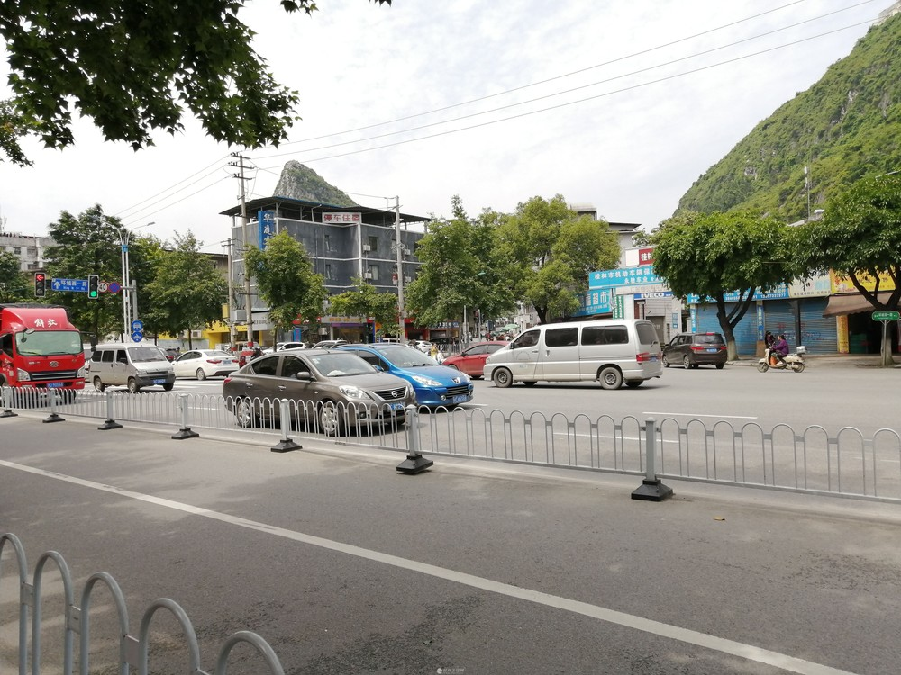 安厦尚城当街旺铺31平85万现租4000/月