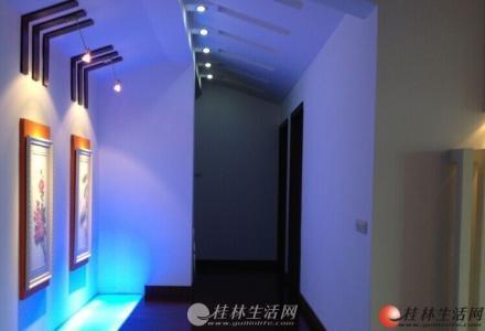 中山北路回龙小区复式楼使用220平天面20平豪装