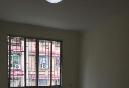 永宁广场房子出售 新装修 带杂物间