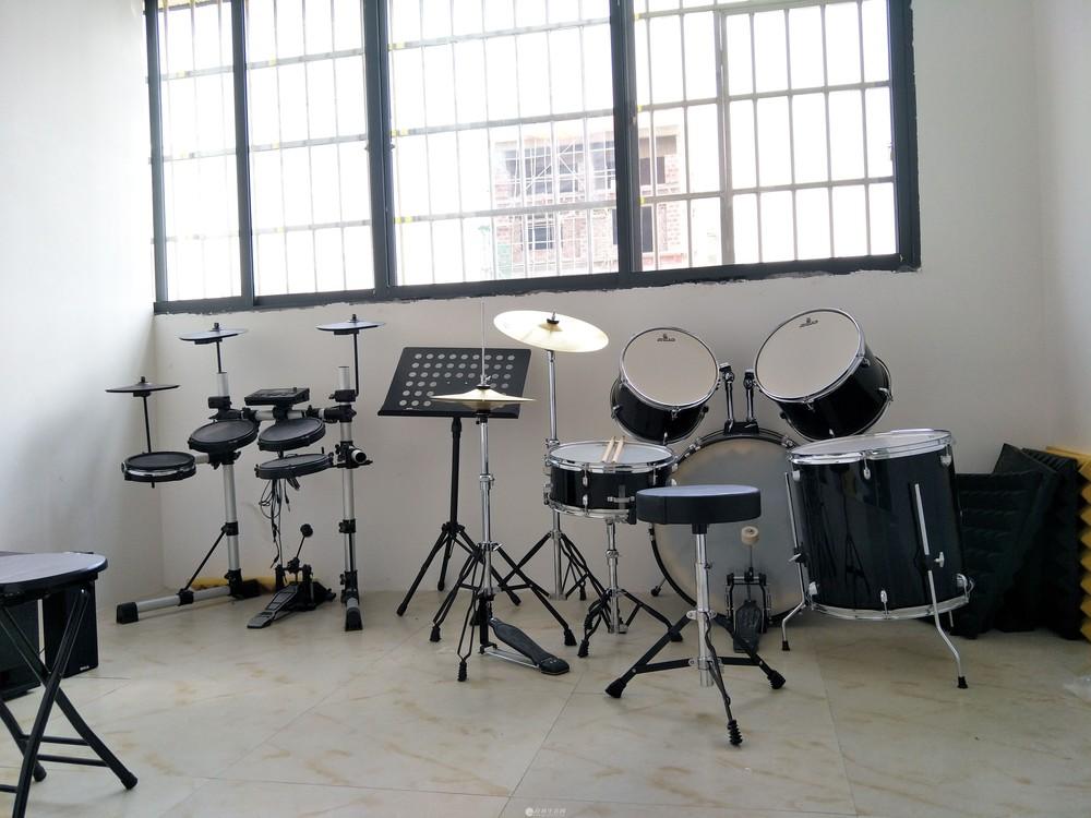 夏季招生、钢琴、古筝、架子鼓、等乐器