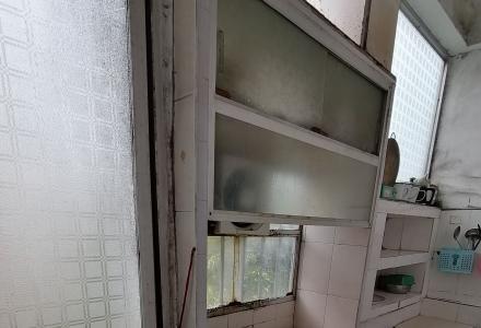 芦笛路桂林郡(原钢厂宿舍)半年起租.地理条件便利