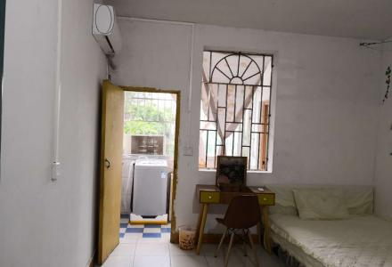 汇东批发市场内单间配套家具家电齐全450每月