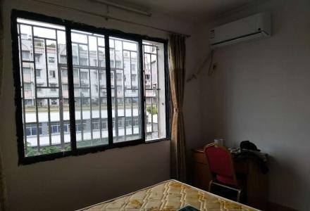 房东出租西门菜市旁2房1厅新装修1500元(学区房)