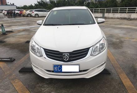 转让2014年10月份上牌的宝骏630 1.5L 手动高配白色轿车一台