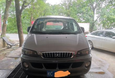 2011年5座汽油2.4江淮瑞风商务车