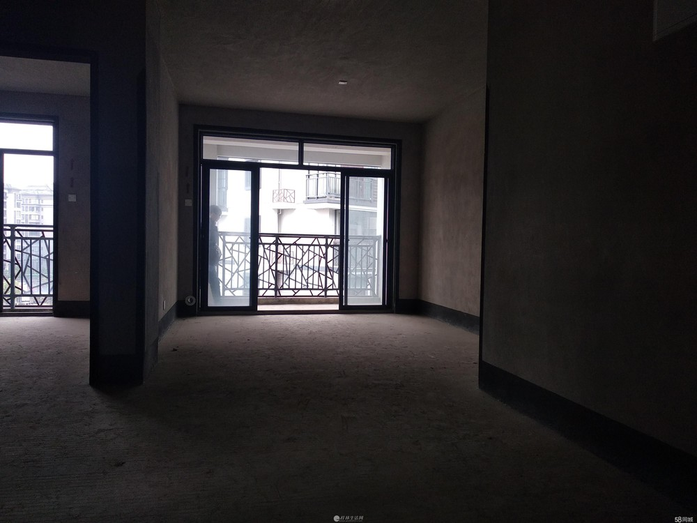 七星区 联发旭景 电梯一梯二户 清水3房2厅 仅售79万