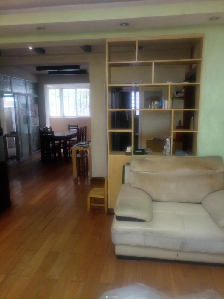 象山区安新南区2楼 135平方3房2厅出租