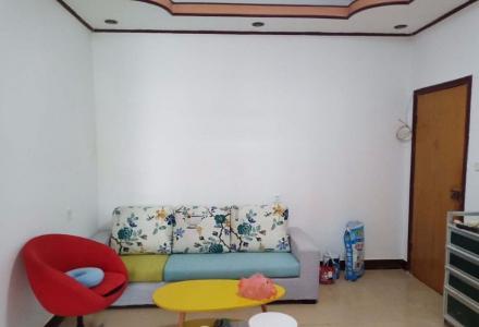 师大南门有一个漂亮的一房一厅出租