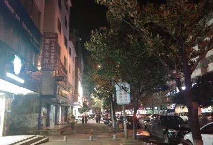 桂林灵川八里街人人乐到301医院之间整栋楼出售228万