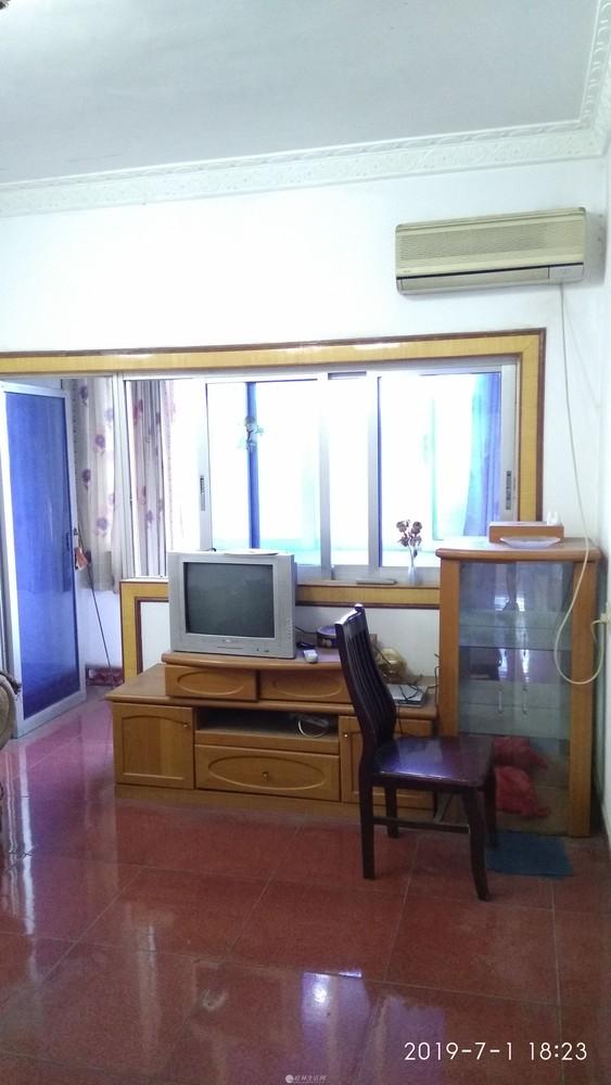 灵川县汽车站综合楼3楼两房两厅95平米出租