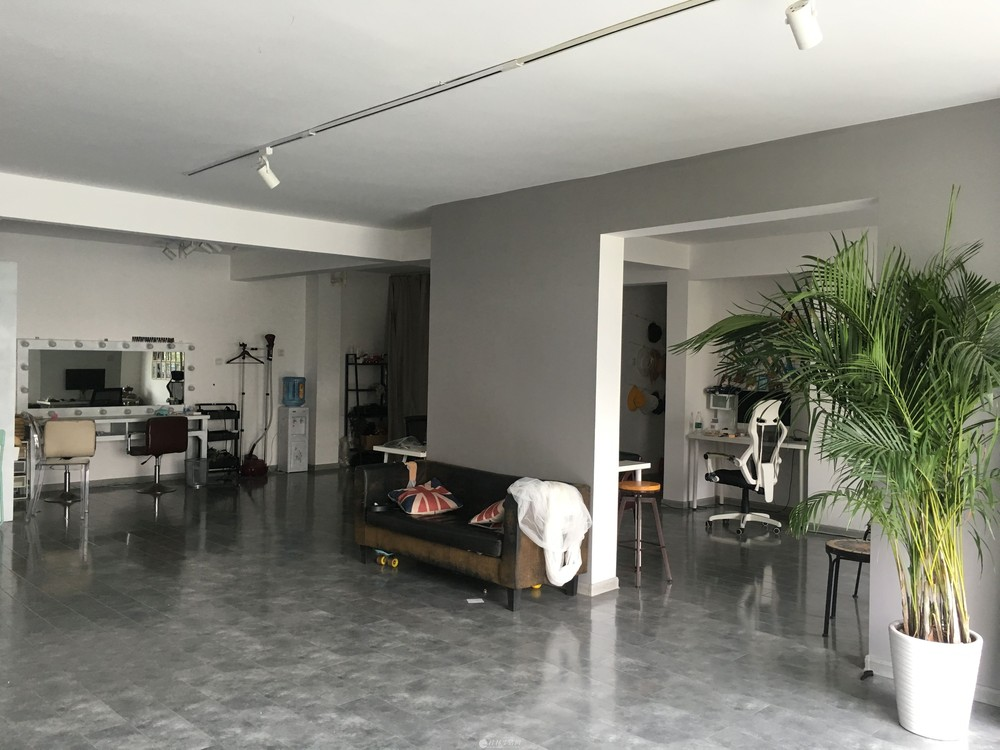 ×××(个人)三里店大圆盘办公楼160平米-位置极佳×××