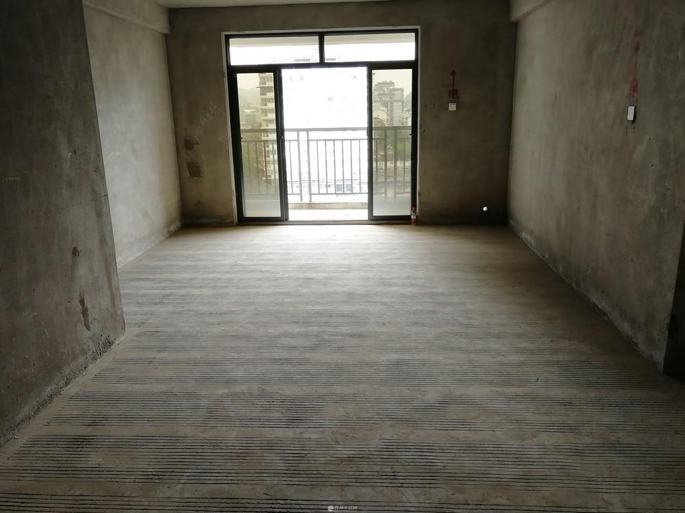 HK龙隐小学 三里店大圆盘 新天地二期 电梯清水房 3房2厅