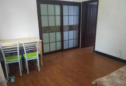 三多路榕荫路4楼,2房,精致装修1800元/月